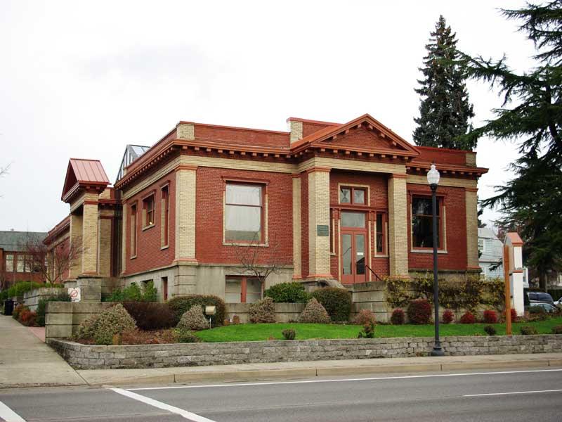 City Hall Of Dundee Oregon
